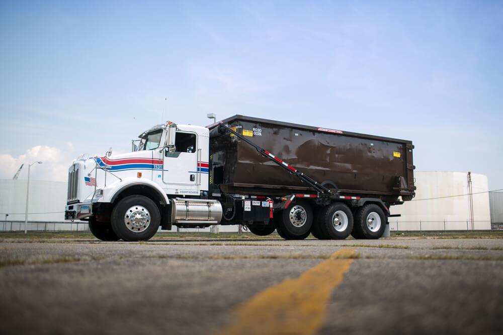 Roll Off Dumpster Truck
